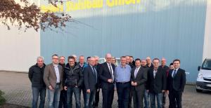 Samtgemeindebürgermeisterkandidat Hajo Bosch, Landratskandidat Uwe Fietzek und der Generalsekretär der CDU Niedersachsen, Kai Seefried besuchten die Firma Peters Stahlbau